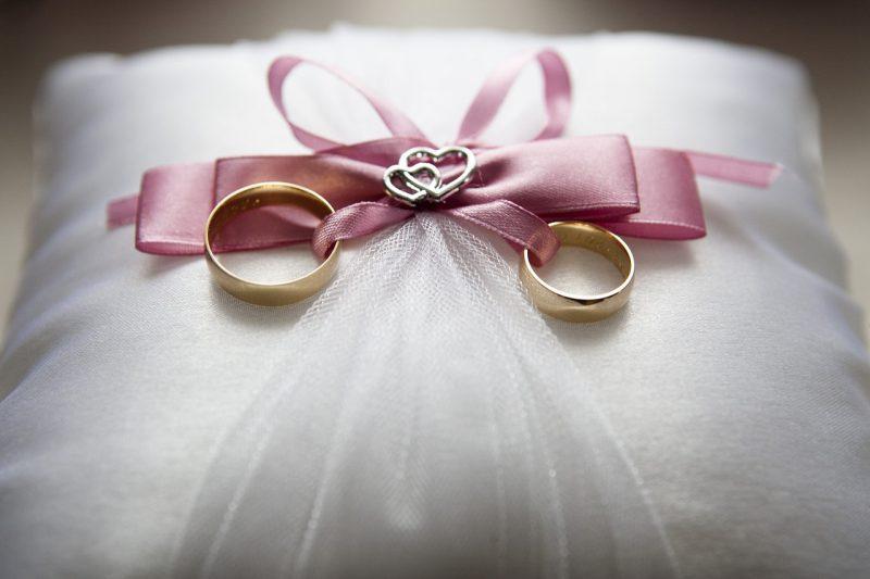 婚活EQ診断の回答とパートナーエージェントのパンフレット